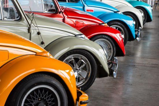 並べられた多くの車