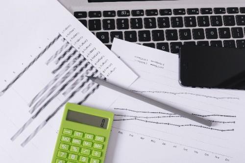 自賠責保険の任意一括払いと被害者請求を比較