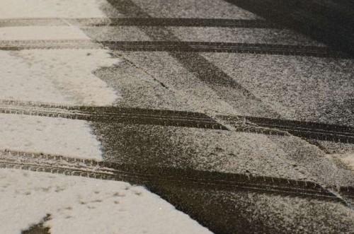 雪が積もった道路