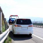 高速道路の故障車