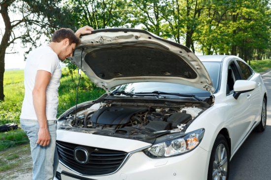 車のボンネットの開け方・締め方