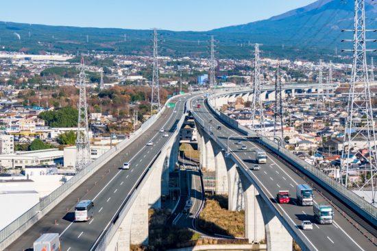 高速道路の車線