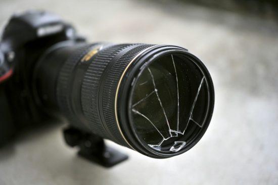 落として壊れてしまったカメラ