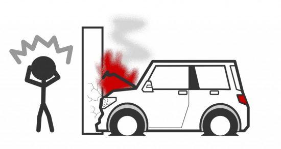 電柱との自損事故
