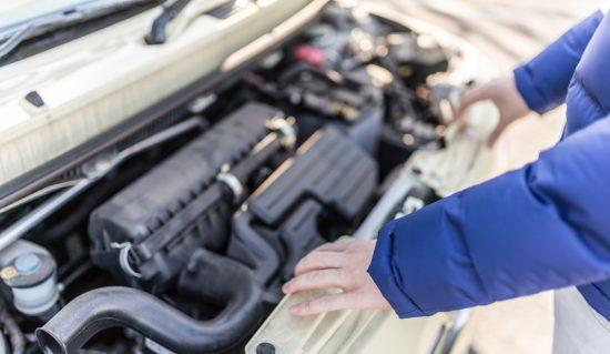 車のエンジンがオーバーヒート