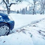 雪道でのスタックにも自動車保険のロードサービスは利用できるか?