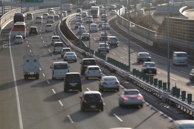 車間距離不保持違反の内容と罰金・反則金・点数まとめ