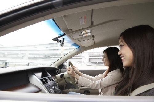 他人の車を運転
