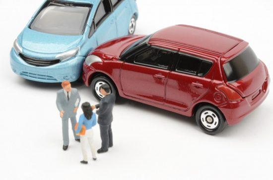 対物事故で揉める被害者と加害者