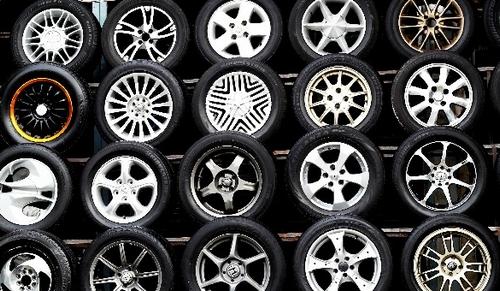 オートバックスにタイヤを持ち込んだ場合の工賃って高いの?安いの?